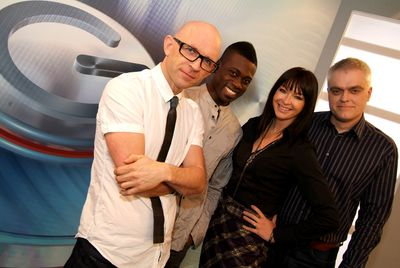 the gadget show programs discovery science discovery press web. Black Bedroom Furniture Sets. Home Design Ideas